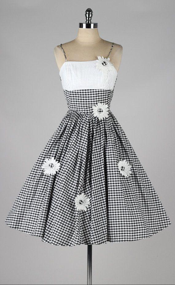 Vintage 1950s Dress Black White Gingham Cotton Sun Dress 3908 In 2020 Vintage 1950s Dresses 1950s Dress Pretty Dresses