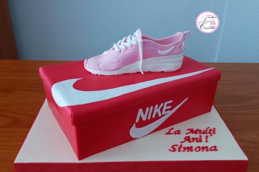 caja de zapatillas nike