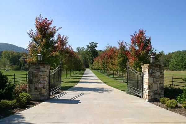 Long Driveway Landscaping Entrance Fence