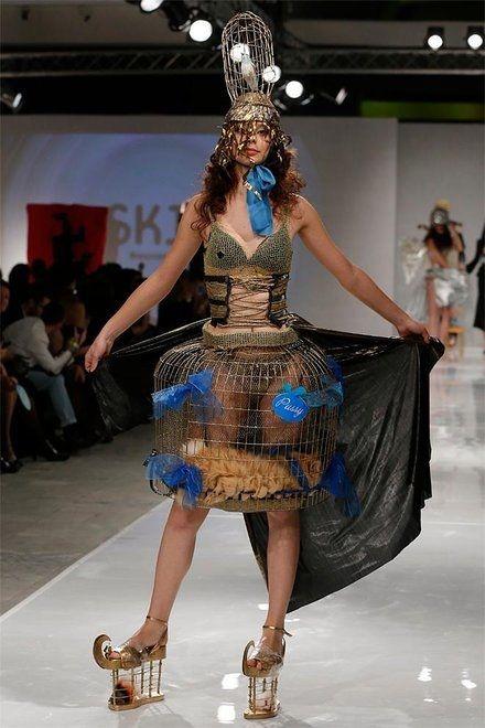 121018_c2_Russia_Aurora_Fashion_Week_3.jpg_BIM-1