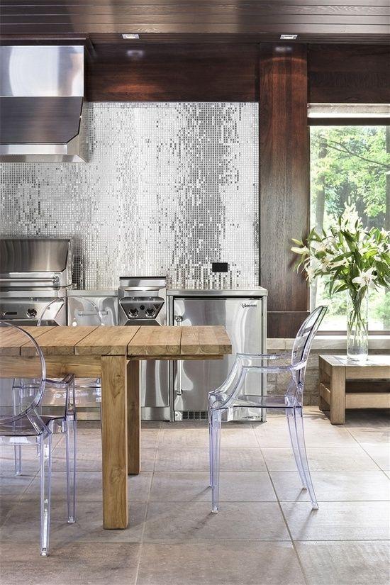 cozinha pastilha aço inox e madeira