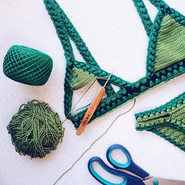 «MAILLOTS DE BAIN TRICOTÉS» sur Instagram: «Jusqu'à présent, une seule chose dérange dans les maillots de bain en tricot … comment améliorer l'allongement ??? … par conséquent, différents types de bandes élastiques sont considérés)) … »   – Надо попробовать