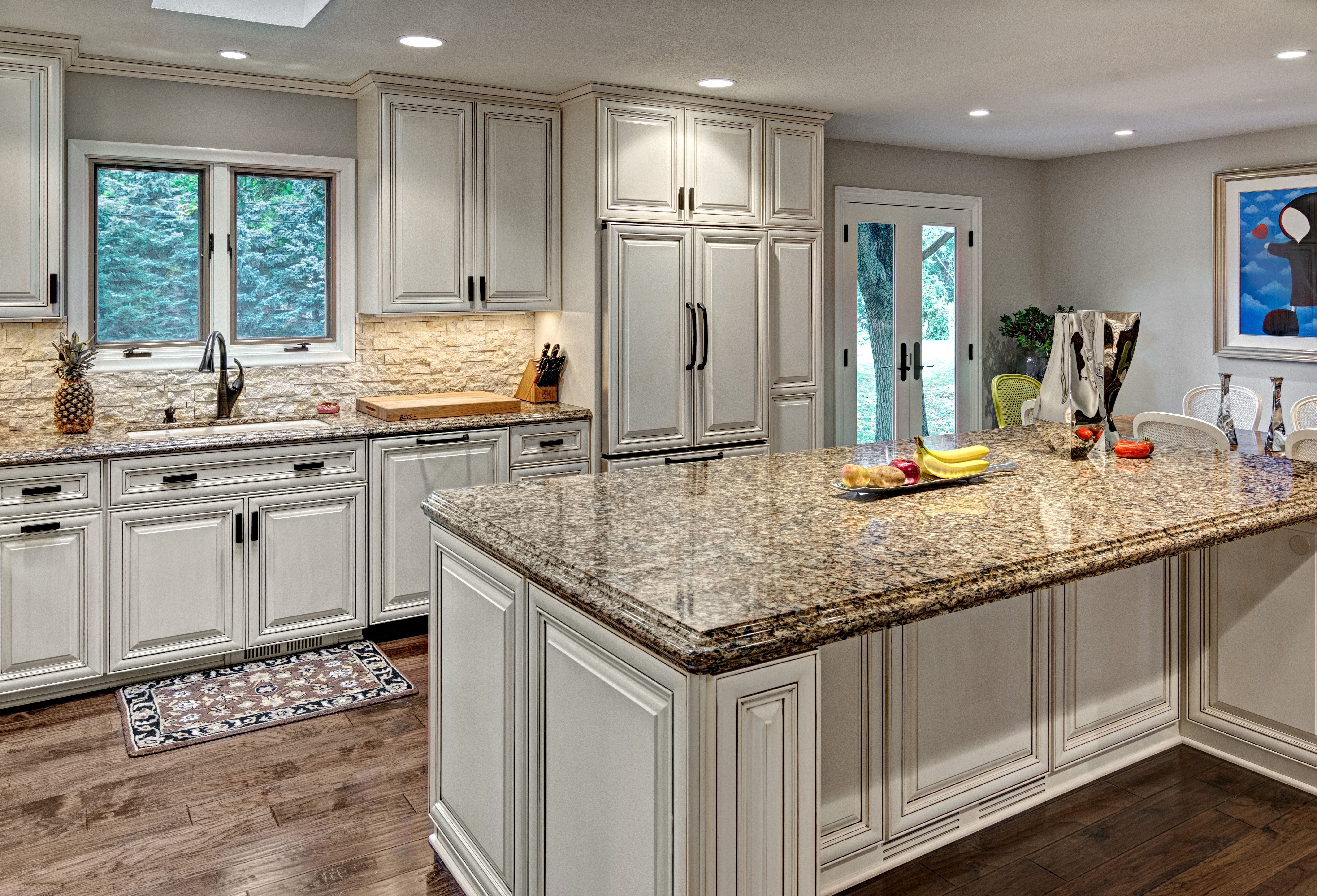Very sleek, modern kitchen. Great feel with the cabinets ...