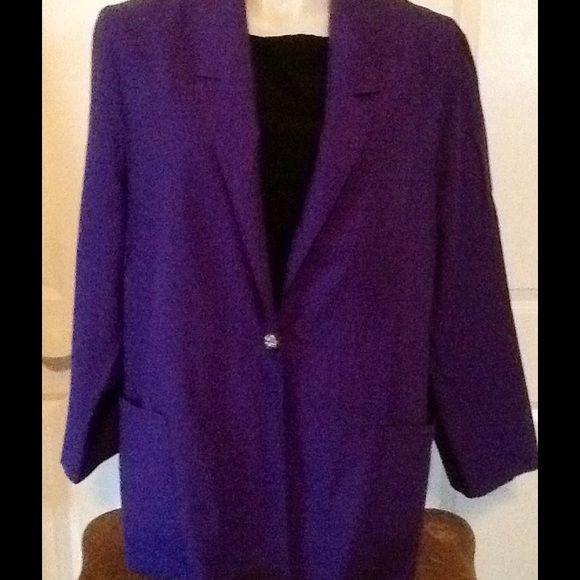 Beautiful Purple Blazer. Perfect Condition. Long sleeve. Jackets & Coats Blazers