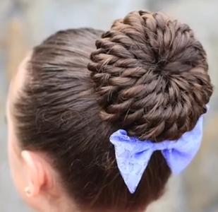 Stylish Prom Updo Hairstyle for Long Hair: The Rope-Twisted Pinwheel Bun Hair Tutorial. #promhairupdo