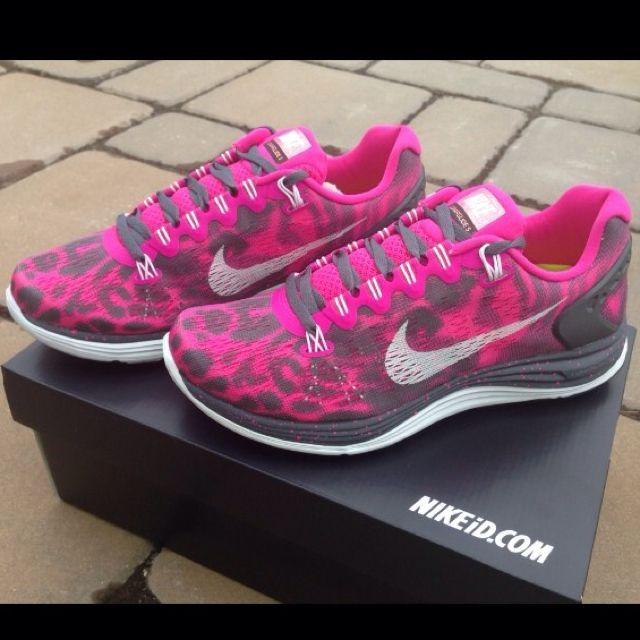 Nike Roshe Courir Gâteau Léopard Rose