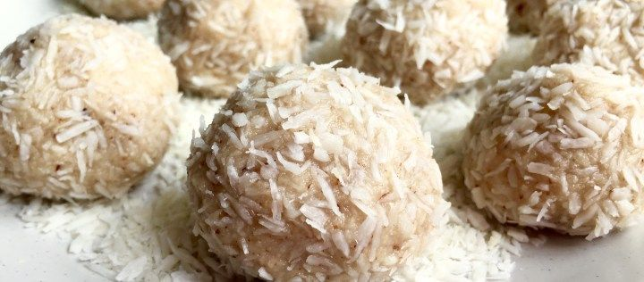 Coconut macadamia protein bliss balls