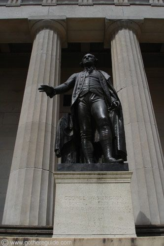 Wall Street Federal Hall The Statue Marks The Spot George Washington Took His Oath As The First President Of George Washington Statue Nyc Graffiti Wall Street
