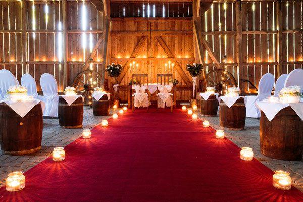 Die Trauscheune Op De Deel Die Festscheune Individuelle Hochzeit Hochzeit Feiern Hochzeit Deko