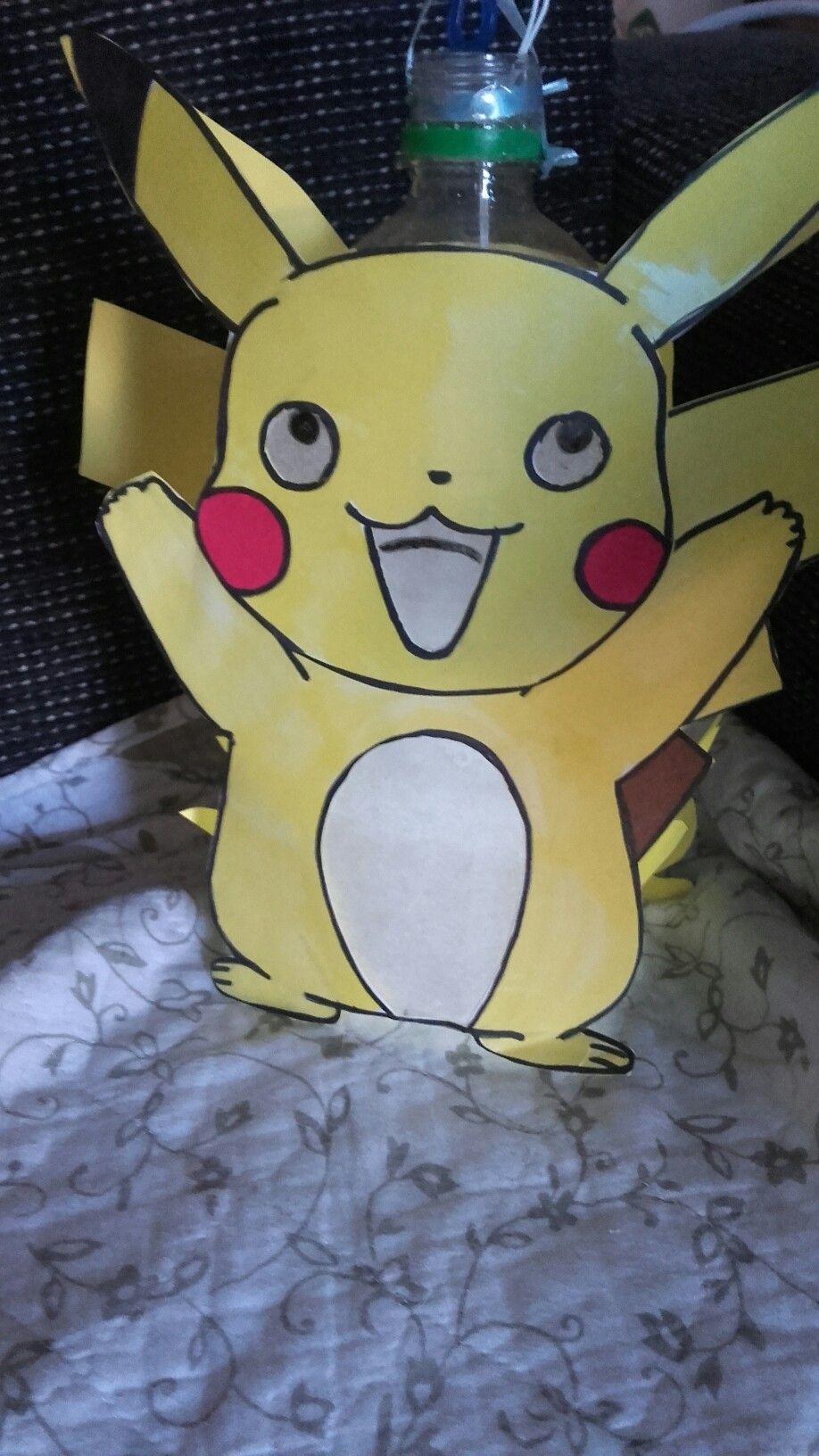 Pikachu Lampion Basis Is Een Wegwerp Flesje Je Kan Hem Zelf Inkleuren Of Gelijk Op Stevig Heel Papier Printen Kleurplaat Komt Pikachu Knutselideeen Lampion