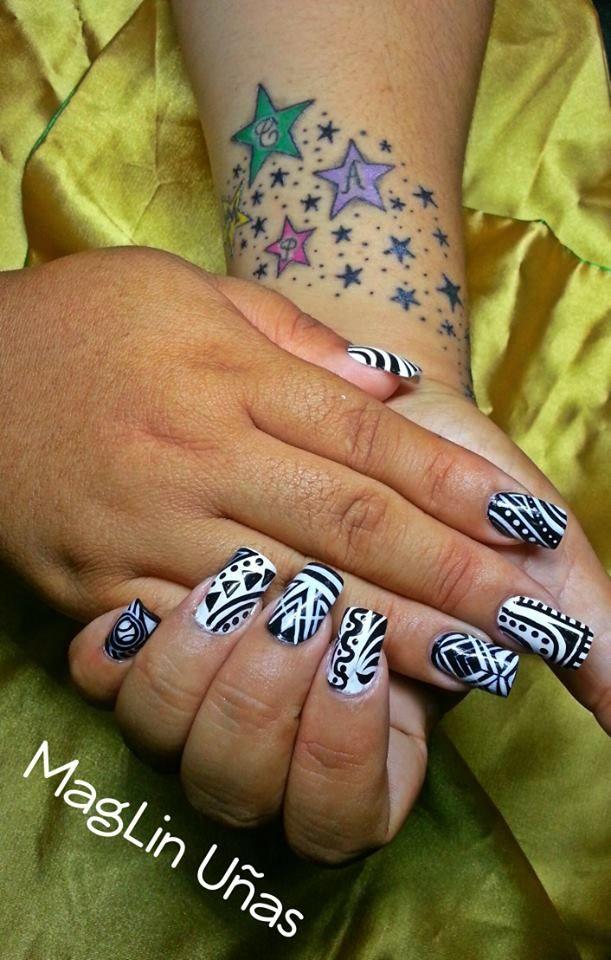 loca x las uñas