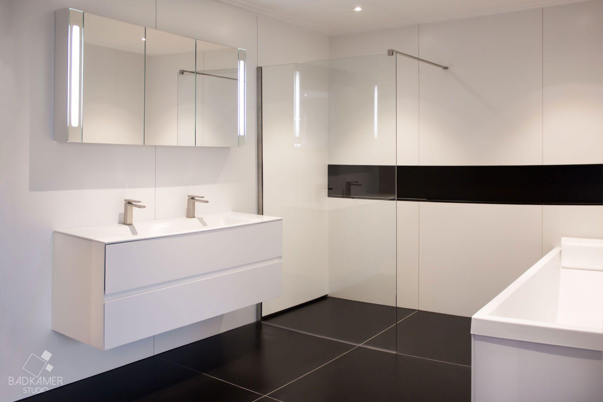 Kleine Badkamer Tegels : Image result for lichte tegels kleine badkamers badkamer