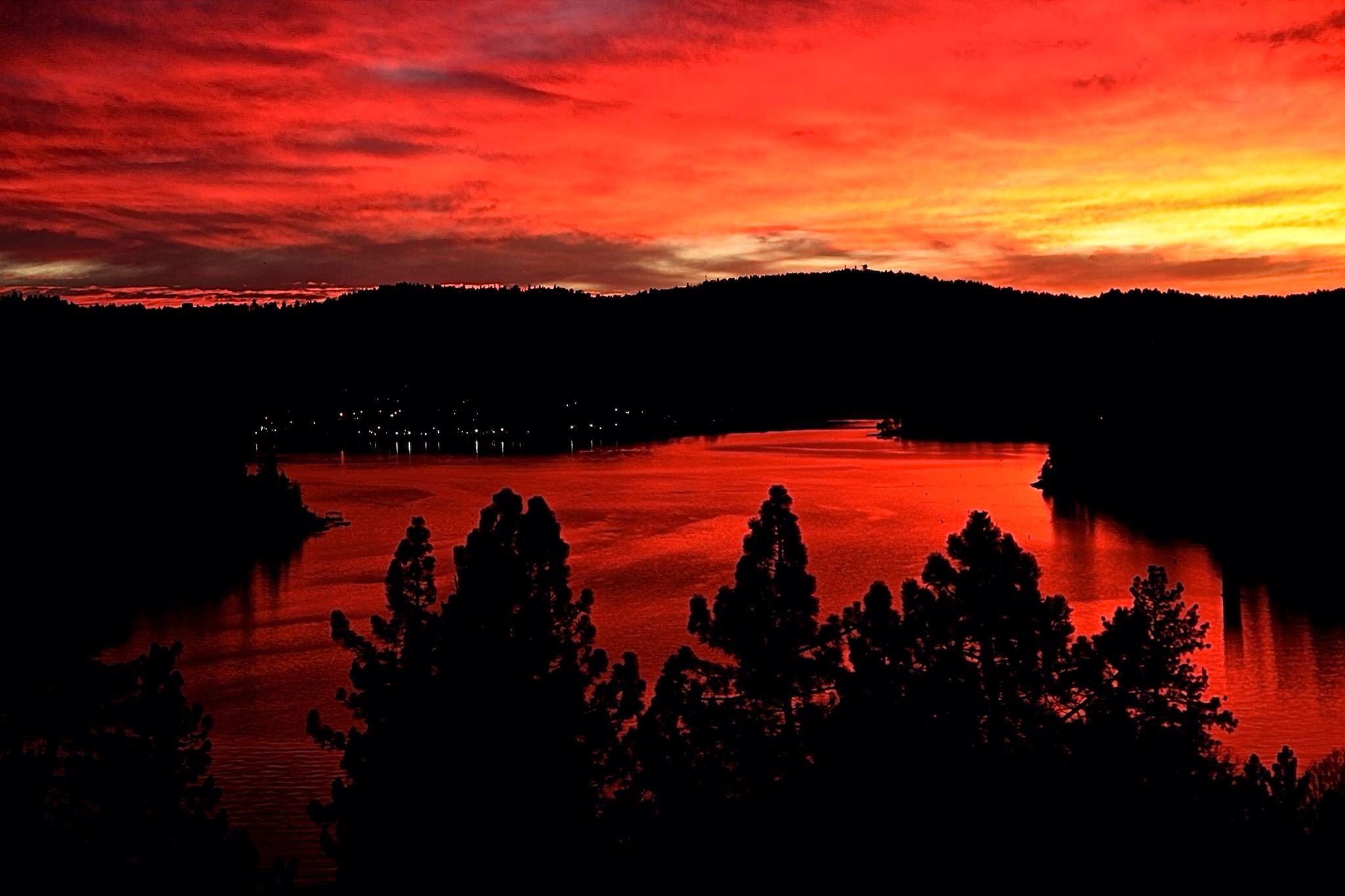 Stunning Lake Arrowhead Sunset Photo From Kelly Pajak Lake Arrowhead San Bernardino National Forest Beautiful Lakes