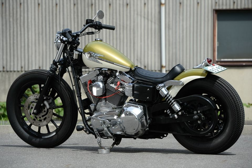 Custom Harley Davidson Dyna By Kraus: HD Evo Dyna Singarm Custom With Black 13-spoke Mag Wheels