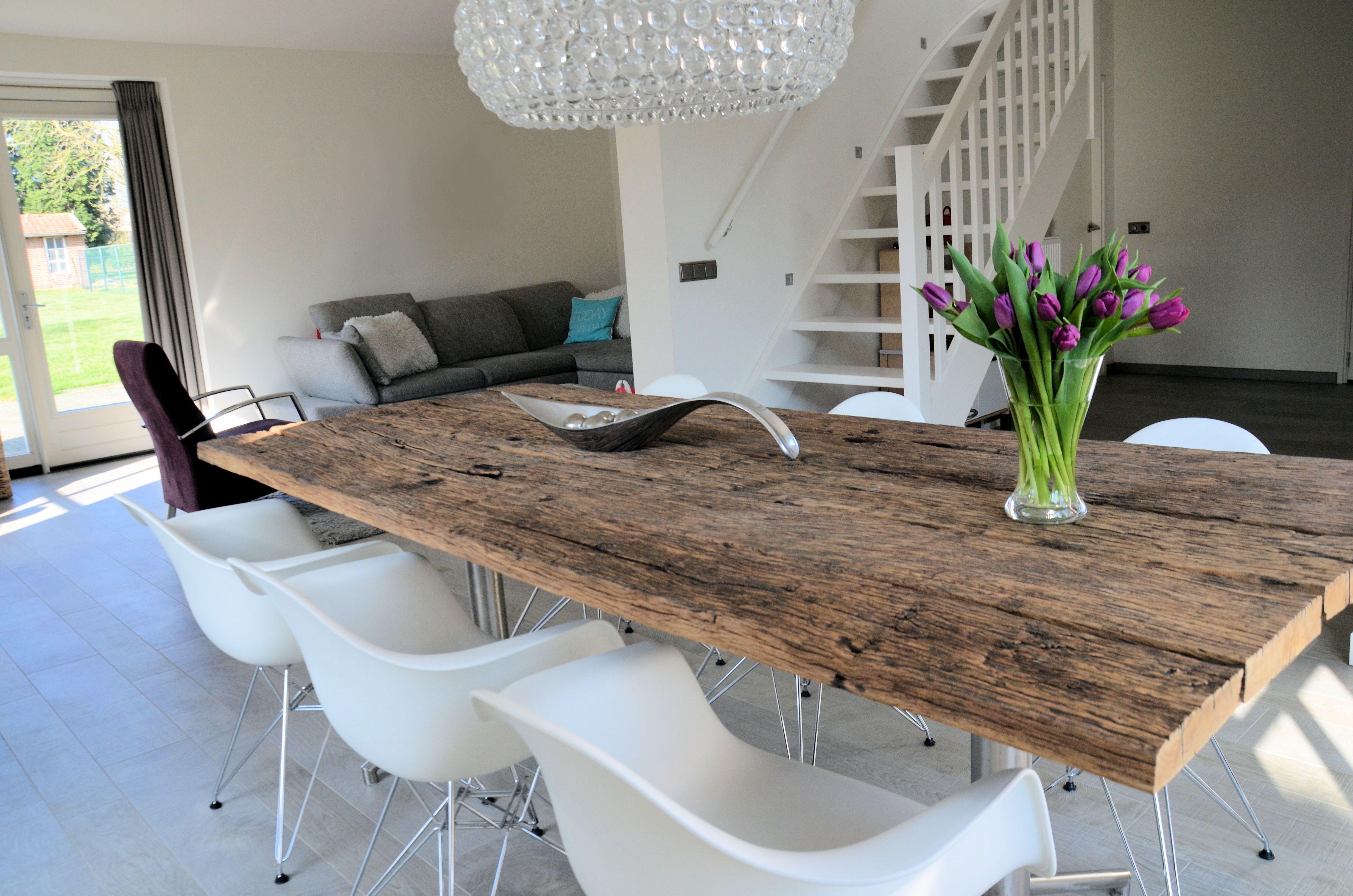 Interieur - Woonkamer - Houten tafel - Modern -Strak ingericht ...