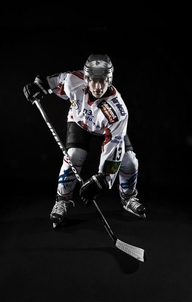Sportfotograf Hockey Photoshoot Studio Google Search Hockey Pictures Ice Hockey Hockey Senior Pictures