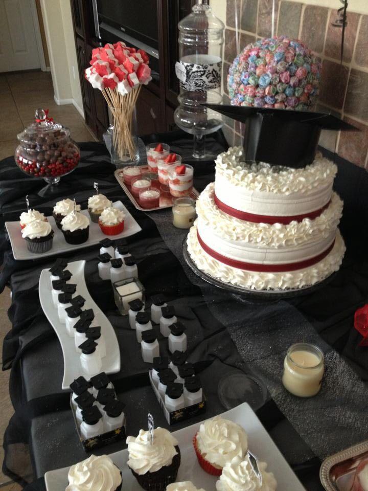 Graduation Cake Table Idea With Images Graduation Cakes Cake
