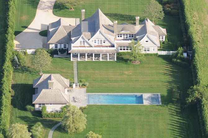 Stewart Rahr A Pharmaceutical Distributor Paid 45 Million For This 18000 Square Foot Waterfront Estate On 25 Acres In Wainscott NY