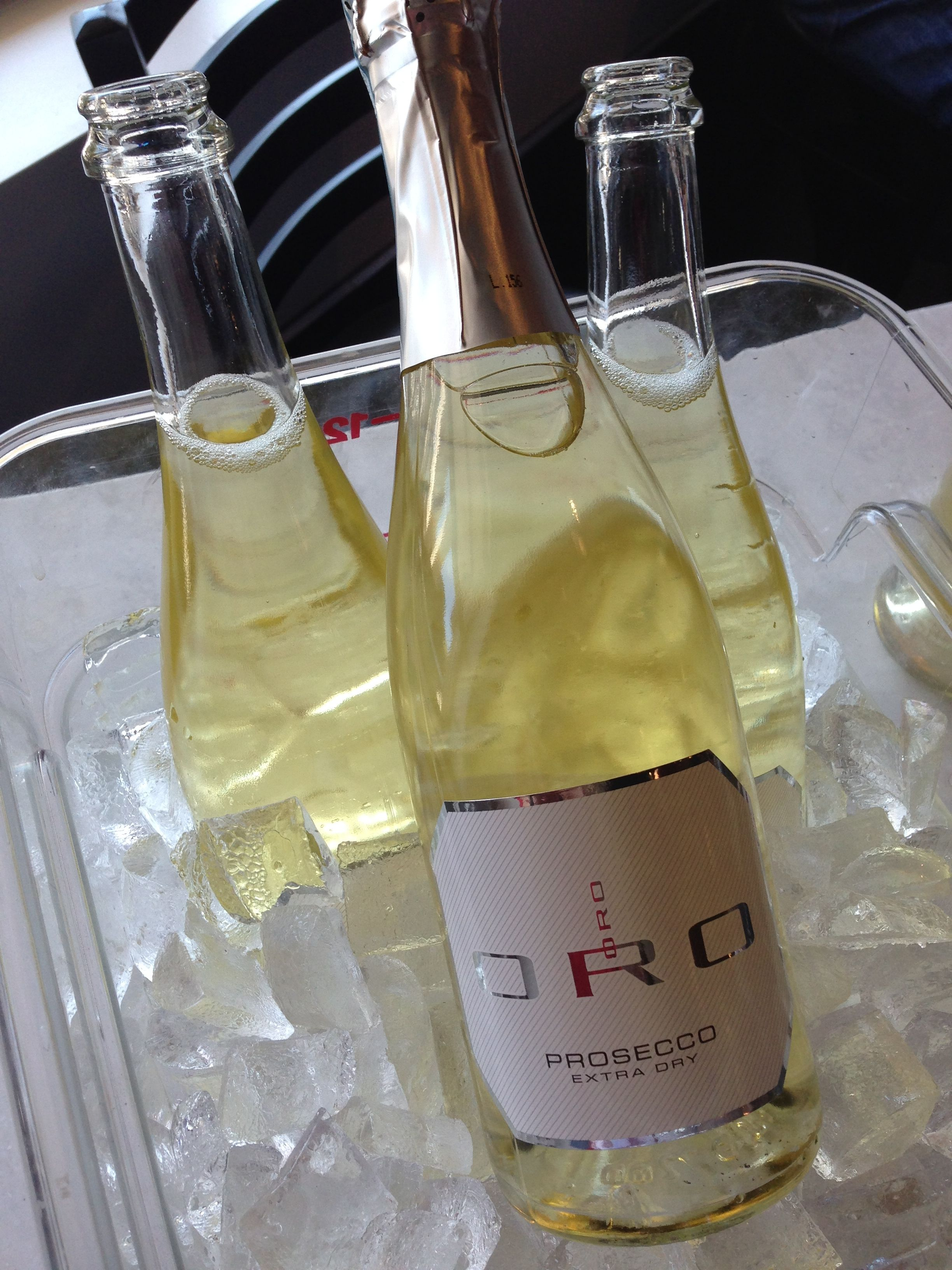 ORO PROSECCO  https://www.facebook.com/pages/Vinofiamma/170631406315947?ref=br_rs