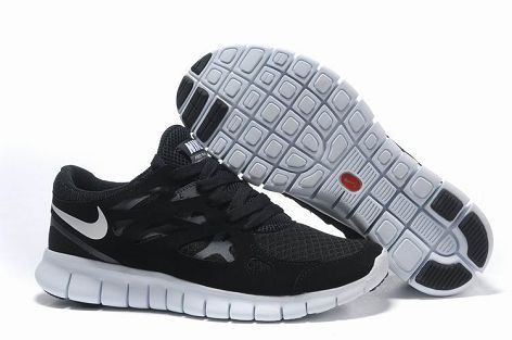 5eaf62e6698 Stay on your toes whatever the situation with these Nike Free Run 2 Femme  Noir Blanc Chaussures France trainers from Nike! Crafted with a lightweight  armory ...