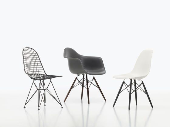 http://www.vitra.com/en-gb/_storage/asset/235315/storage/v_smallbleed_600x/file/4769325/Wire%2520Chair%2520Eames%2520Plastic%2520Armchair%25...