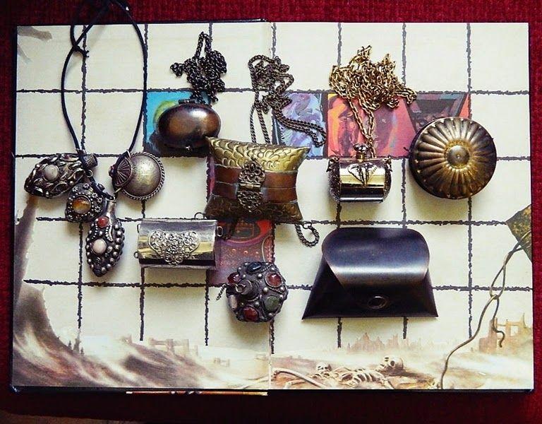 Coleção: Frascos, perfumeiros, porta-trecos antigos
