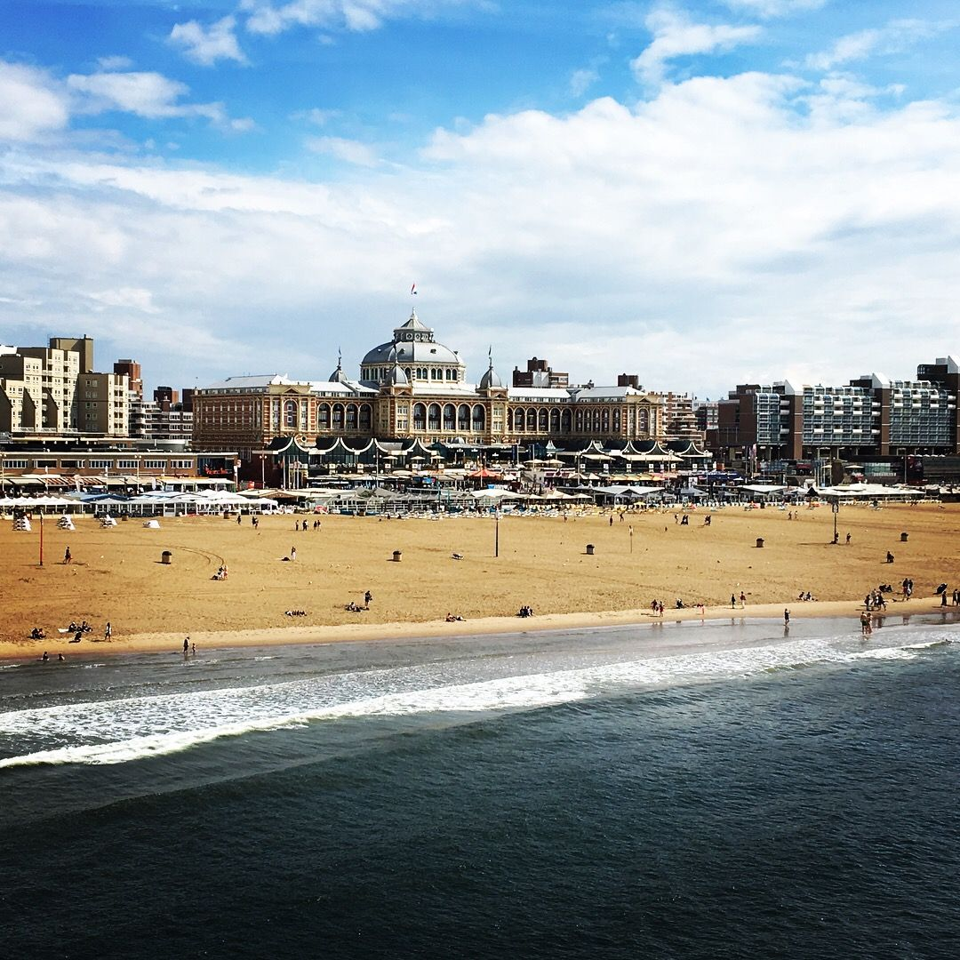 Scheveningen Beach Restaurants Den Haag Scheveningen Beach The Netherlands Packed With Cosy And