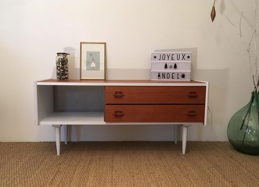 chez lilibroc vous trouverez des meubles vintage relook s avec soin une collection de commodes. Black Bedroom Furniture Sets. Home Design Ideas