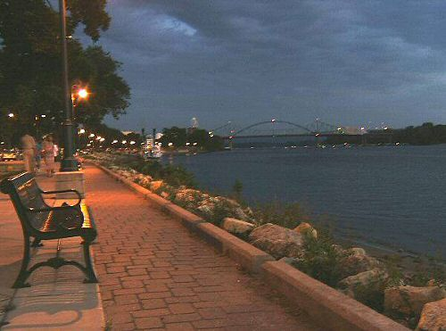 My Home Town La Crosse Wisconsin Mississippi River At Dusk Wisconsin Travel Travel Spot Exploring Wisconsin