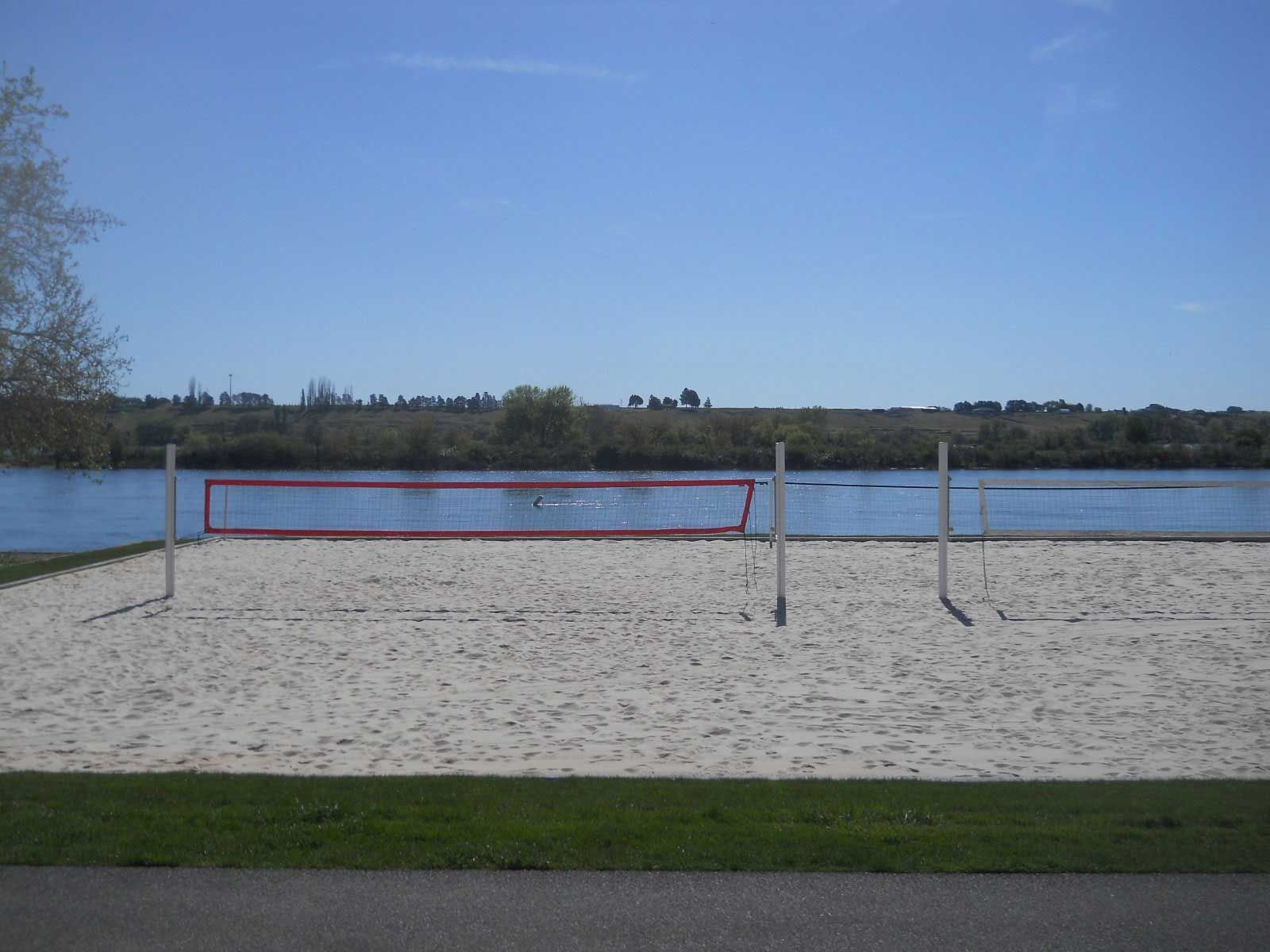 How To Construct A Volleyball Court Volleyballusa Com In 2020 Sand Volleyball Court Backyard Court Court