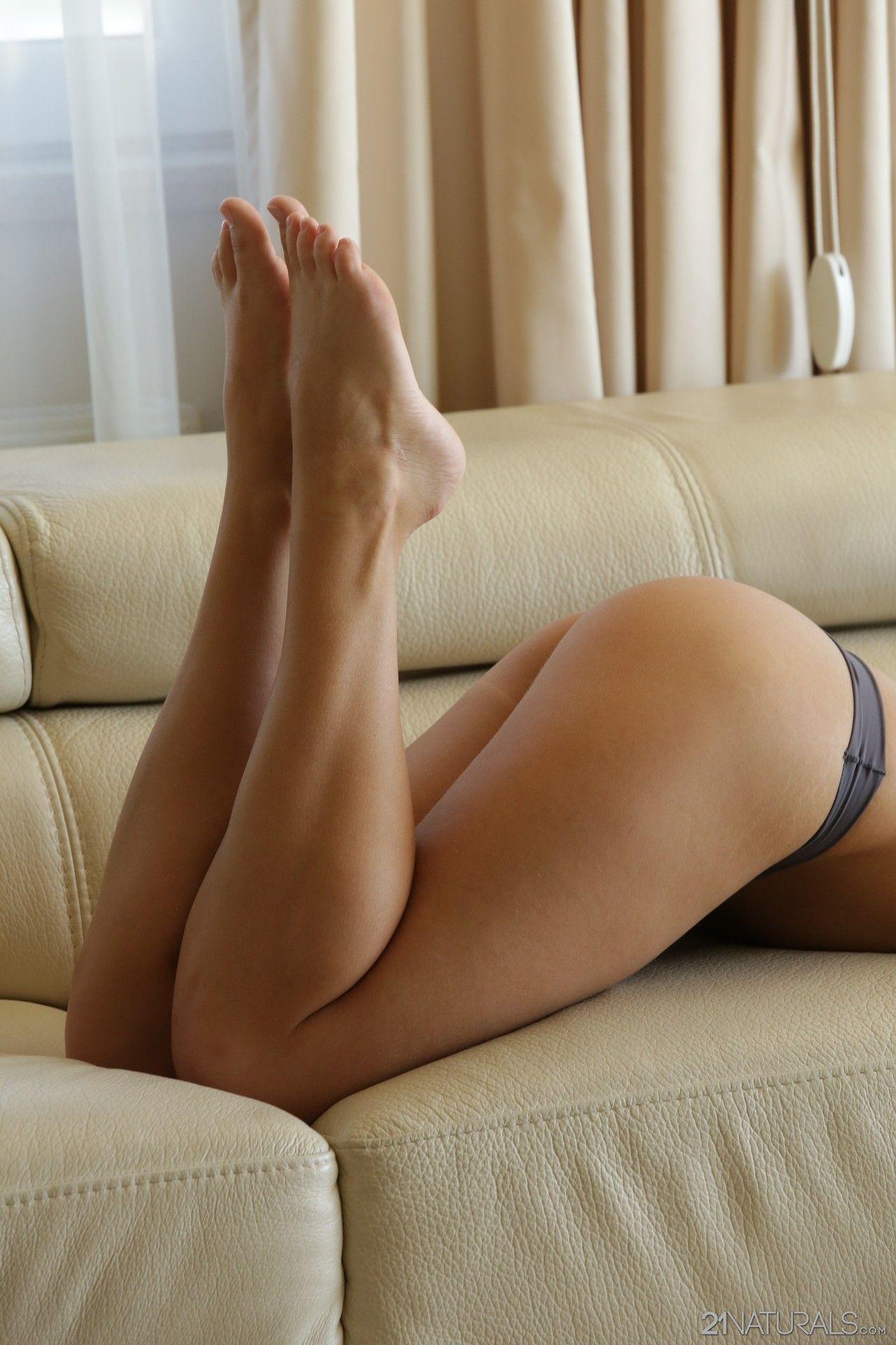 Sexy hot girls gifs boobs bounce dance buns perfect legs bad ideas