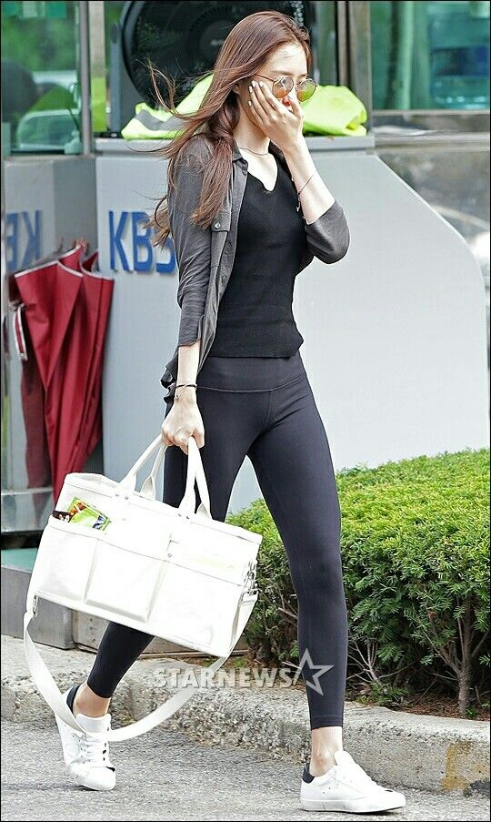 손나은 레깅스 | naeun | Fashion, Kpop fashion 및 Women's leggings