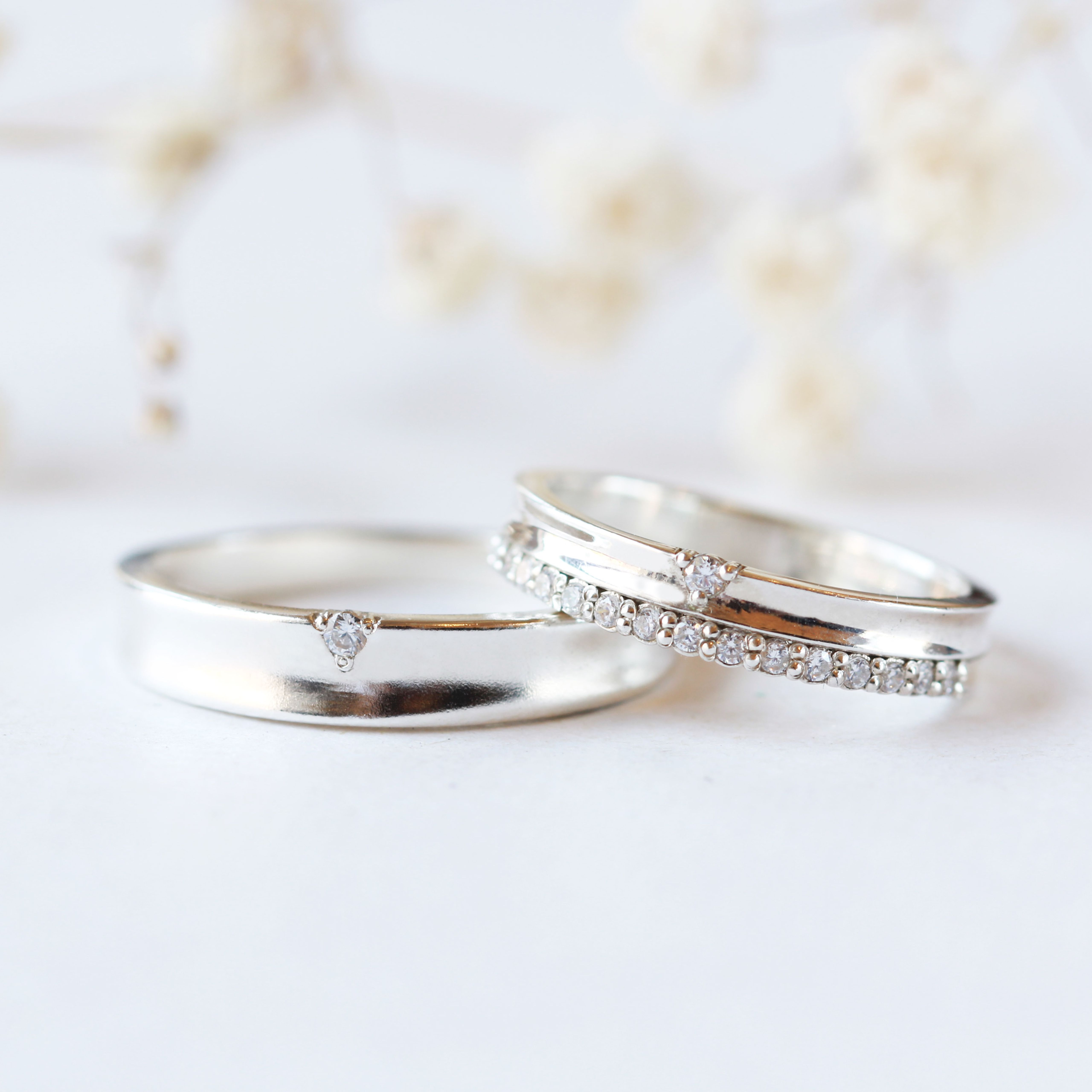 Wedding Matching Band His And Hers Couple Rings Halfway Stone Etsy In 2020 Diamond Wedding Bands Wedding Rings Sets His And Hers White Gold Engagement Rings Vintage