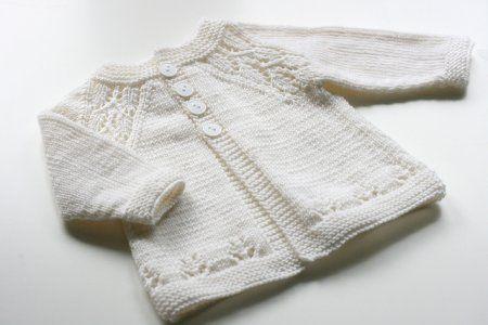 Кофта реглан для новорожденных спицами с описанием и схемами