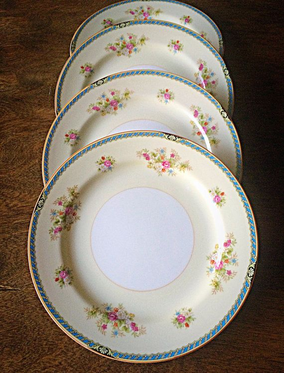 This listing is for a beautiful set of 4 vintage Noritake