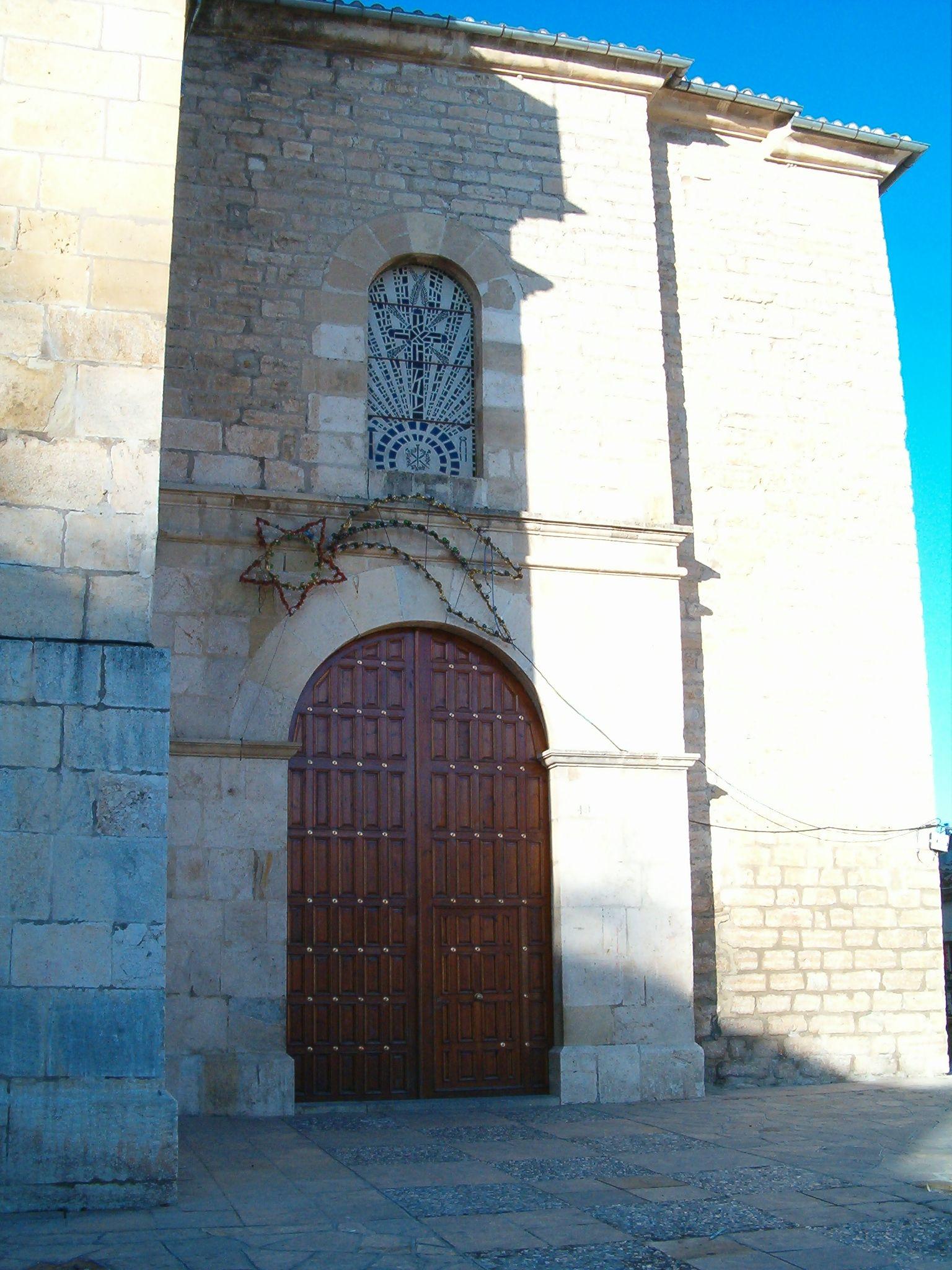 fachada principal de la iglesia de San Amador