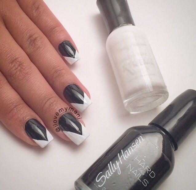 Black/White Chevron mani