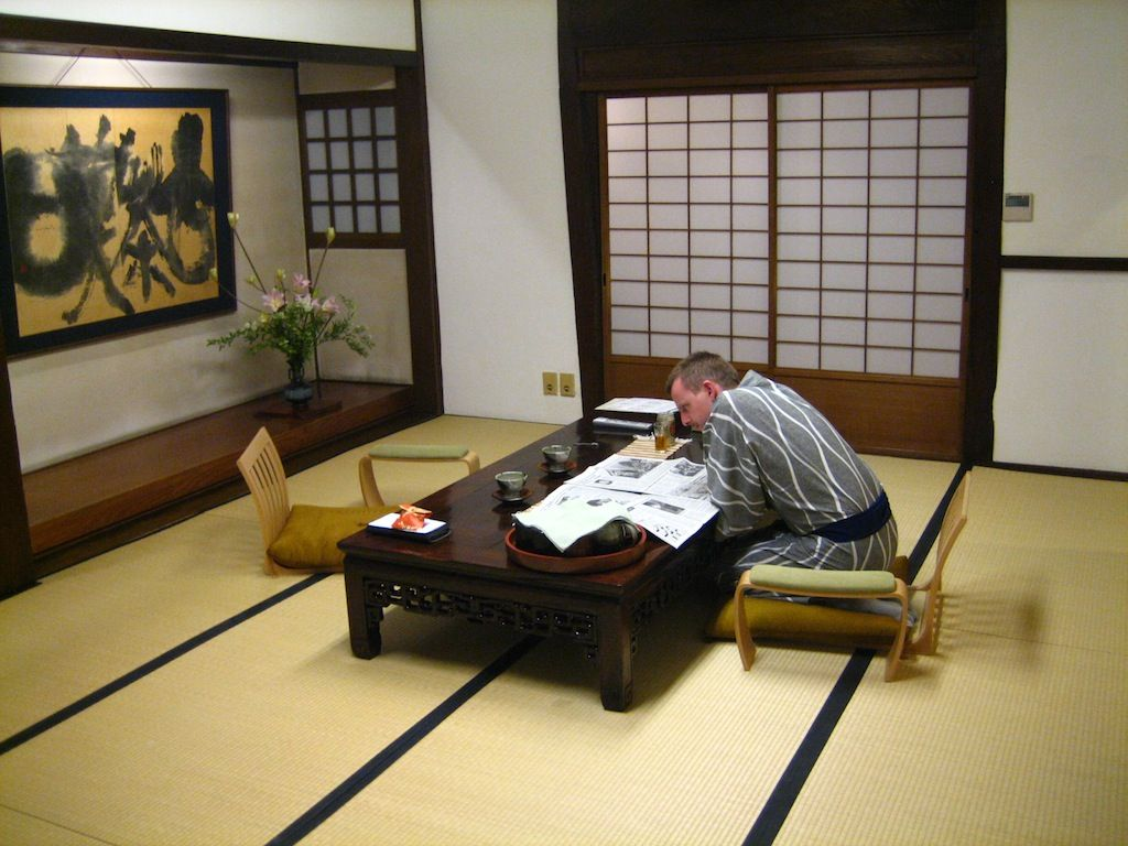Antique Tatami Japanese Living Room Layout | Japanese living ...