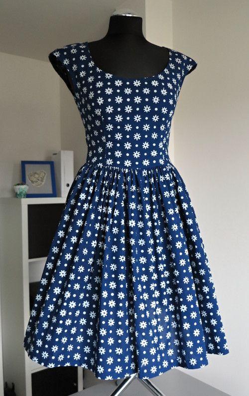 8691c0e59115 šaty modrotiskové