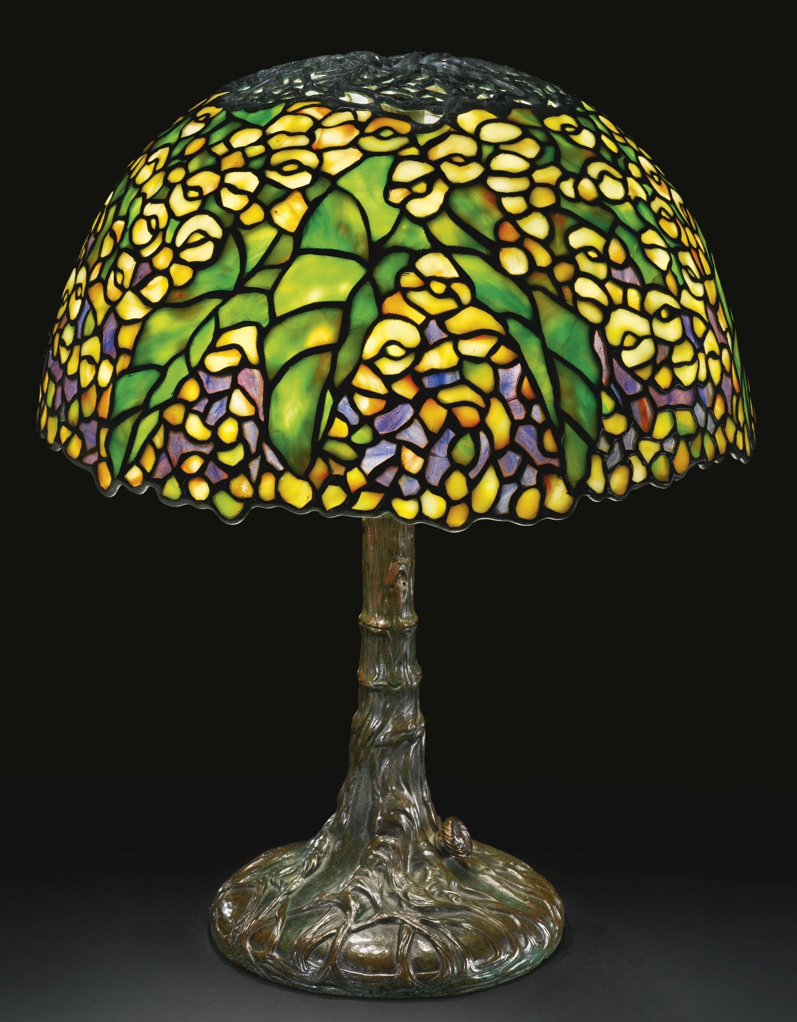 Tiffany Studios: PONY BEGONIA TABLE LAMP with a small