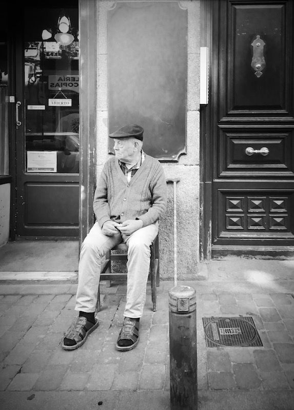 Luisón: Street Photography in B&W. Madrid