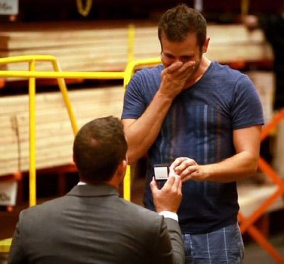 I actually got choked up man proposes to his boyfriend Disney Style !  As a choreographed musical fantasy right in the middle of home depot. Now that's the way to do it ! WATCH: How an adorable guy proposed to his boyfriend thanks to a flash mob in a Home Depot store #howtogethimtopropose