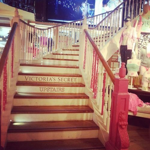 vs love pink entryway to shopping heaven