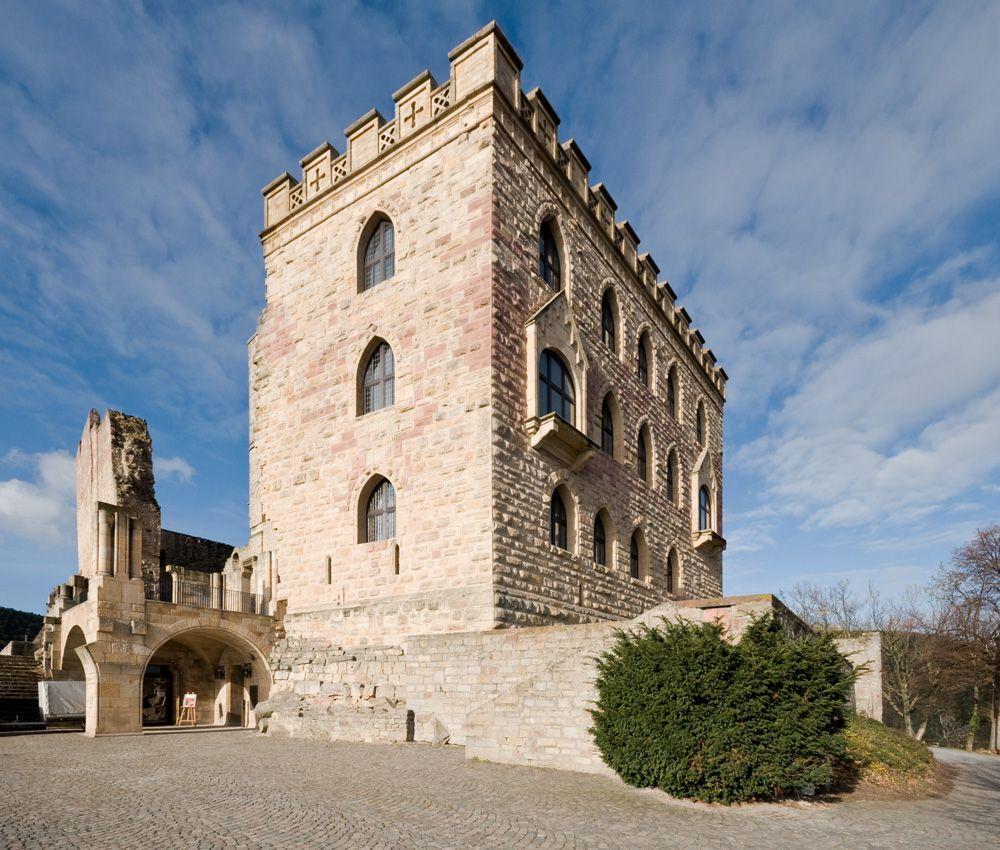 Hambacher Castle Neustadt An Der Weinstrasse Germany By Visualdestiny Mit Bildern Pfalz Hambacher Schloss Reisen Deutschland