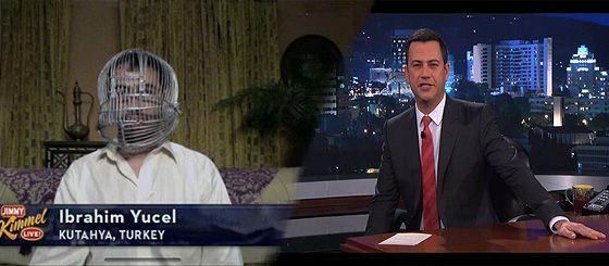 Haberegider Blog - (VİDEO) Başını Kafese Kitleyen Türk ABD'deki Komedi Programına Konu Oldu: Sigarayı Bırakmak İçin Başını Kafese Kitleyen Türk Jimmy Kimmel Live'e Konu Oldu