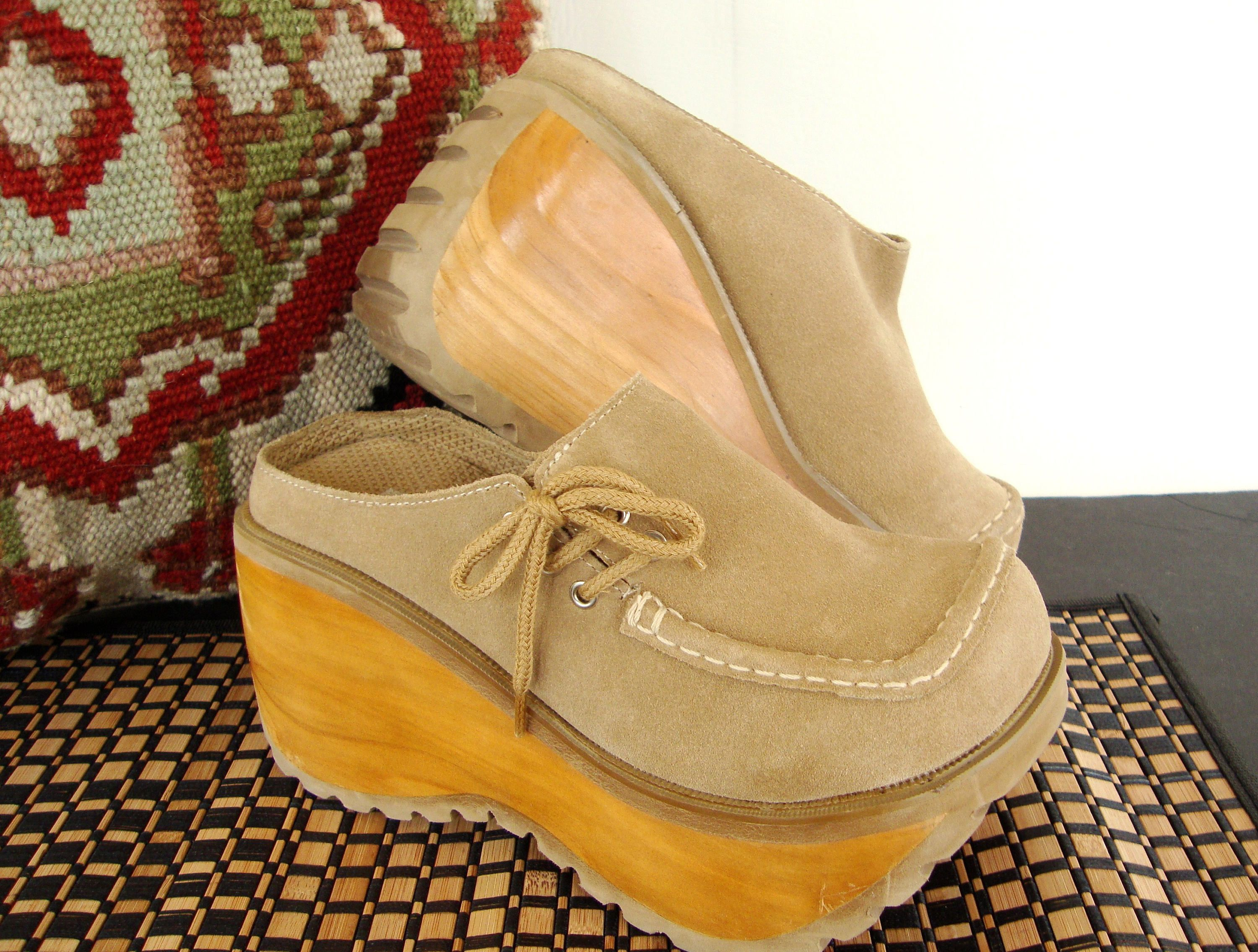 7a6d25bc64ca3 90s Platform Clogs Chunky Suede Tan Leather Wooden Sole Soda Size 7 ...