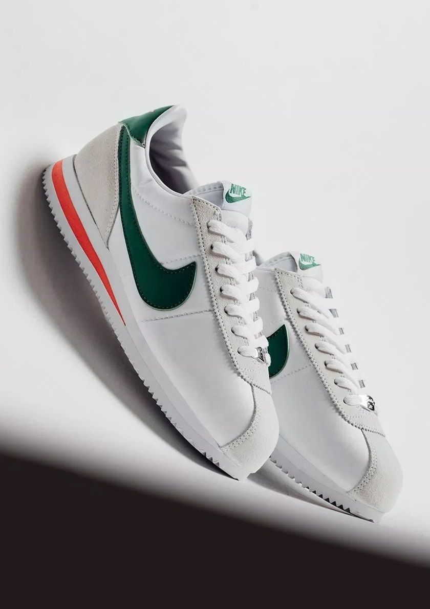 on sale d4c02 9d3ec Nike Cortez