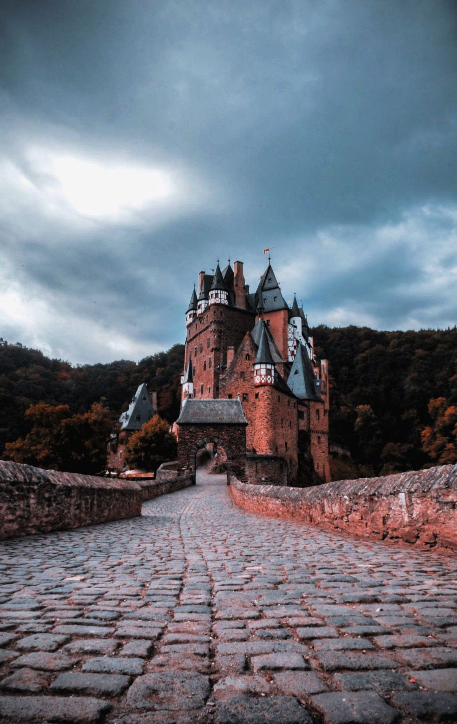16 Best Castles In The World You Can Visit In 2020 Castle Pictures French Castles Castle