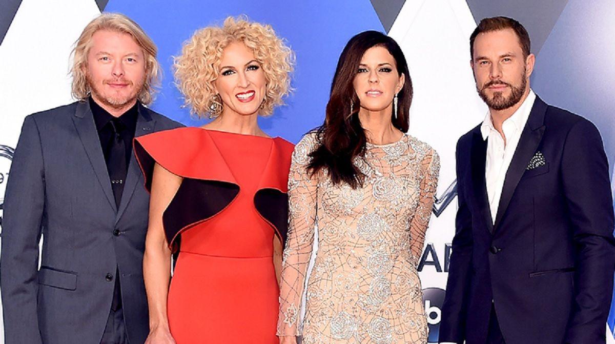 #music Little Big Town's Kimberly Schlapman Introduces Brand New Baby Girl
