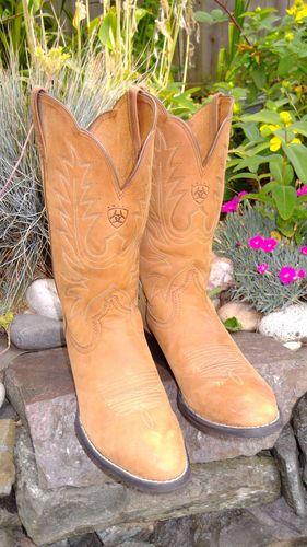 e736e11db0e Women s Ariat Western Cowboy Boots Round Toe Light Brown 8  Excellent  Condition